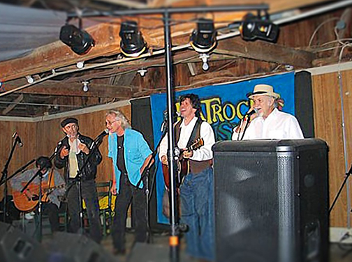 "Reginald Massey, another ""dudes"" fan snapped this photo of their 2007 Flatrock acoustic performance."